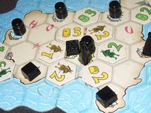 Aïe, les trois symboles présents sur la capitale sont gagnés par Tristan ! En même temps, je me dis que je me rattraperai ailleurs car il a joué beaucoup de tuiles de joker ici...
