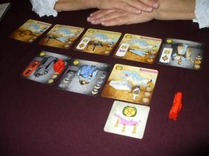 """Si je disais que je n'avais pas très bien joué le coup, c'est parce que Françoise se battait aussi sur les cartes violettes et que nous crions """"Ave Cesar"""" dans le même tour ! Le souci c'est que sa carte porte un numéro inférieur au mien..."""