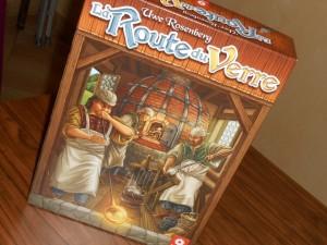 Toujours la très très belle boîte, extrêmement bien remplie, avec un jeu toujours aussi titillant ! L'occasion de le faire découvrir à quelques-uns de nos amis ludophiles venus à la soirée jeux...