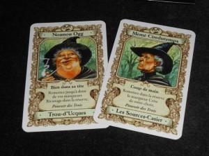 Les deux cartes ci-dessus représentent ma frustration sur cette partie : je les ai eues en main toute la partie et j'ai attendu, en vain, d'avoir une troisième sorcière avec le Pouvoir des Trois. Dans le même temps, mon gamin a pu jouer deux fois une série de Pouvoir des Trois !!!