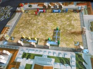 Après un tour de jeu, chacun des 4 joueurs a posé une ou deux tuiles (comme moi, grâce à une fontaine !) et la partie se déroule sous de bons auspices...