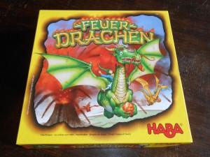 La boîte est magnifique, dans une gamme de jeux au format carré que l'éditeur jaune enrichit année après année...