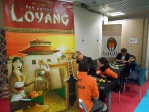 Loyang est le 3ème jeu de Rosenberg formant la trilogie Agricola - Le Havre - Loyang, mais, en fait, il est le premier des trois conçus par l'auteur ! Et au niveau des mécanismes, il n'a rien à voir avec ses grands frères...