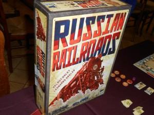 Il fallait bien ressortir la magnifique de Russian Railroads assez rapidement. Voilà, c'est chose faite, pratiquement en compagnie des mêmes joueurs, Tristan remplaçant Béatrice...