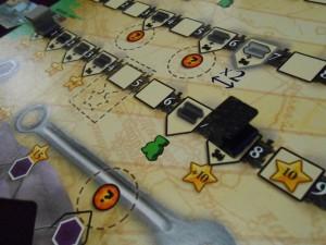 De mon côté, comme vous le voyez, je fonce sur la 3ème ligne et récupère, comme prévu, rapidement mon 6ème ouvrier vert...