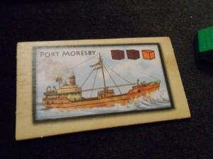 Yes ! Je ne suis pas mécontent d'avoir terminé le premier bateau de la partie lors du tour précédent, en y ayant placé le cube orange qui y manquait, ce qui m'a rapporté 5PV supplémentaires (3 + 2 de bonus)...