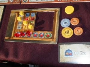 Tristan termine lui aussi avec 3 rubis, mais davantage d'argent, quelques denrées et une carte bonus...