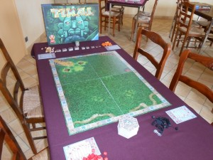 Le jeu est mis en place, tout comme les deux autres de manière anticipée, et on va pouvoir débuter notre première partie à 4...