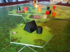 Je pose le premier camp de cette partie, sachant qu'on en a deux chacun et que les places pourraient bien être chères par la suite (un seul camp par hexagone disponible)...
