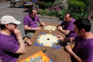 Notre partie d'Indigo se déroule donc à 4 joueurs et on passe un bon moment, en plein cagnard...