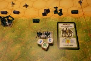 Hop, une attaque au centre, histoire de pilonner les deux hommes bleus restants. Et voilà, c'est terminé...