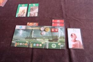 Fin de premier âge, avec deux cartes vertes pour moi et, fait plus rare, deux cartes militaires histoire de grappiller des points...