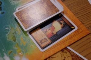 Voici une carte de rencontre déjà redoutable : on prend une carte de rencontre dans la main d'un adversaire !