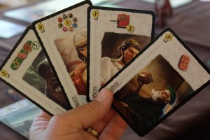Voici donc les 4 leaders piochés : seule Bilkis me plaît bien car je n'ai pas vraiment envie de me lancer dans les cartes vertes...