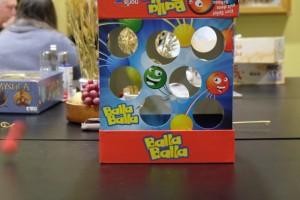 Un truc hyper vicieux de la boîte ajourée, c'est que très souvent les balles, après leur rebond, rentrent dans la boîte... puis ressortent de l'autre côté !
