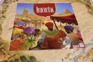 Tous les ans, je joue au nouveau jeu Mattel sur le salon, d'abord parce qu'ils sont plutôt faciles d'accès (et en fin de journée ça fait du bien) et aussi parce que la règle étant exclusivement en allemand, ça assure au moins d'y avoir joué comme il faut ! Ici, donc, Bania, un jeu d'éléphants qui convoient des marchandises dans le désert...