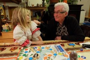 Leila et Gérard vont s'affronter en duel à présent pour déterminer le vainqueur. Mais on oublie un point de règle : chaque case jaune de yéti devrait à présent compter double (comme les rouges)...