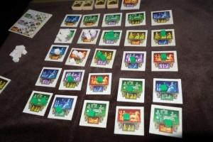 Je crois que je n'ai jamais vu un tel développement réparti dans ce jeu : 14 cases pour moi ! C'est presque trop pour 1/ être fort partout 2/ pouvoir construire des ziggurats...