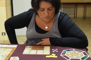 Valérie, amoureuse des jeux de Feld, semble prendre son pied sur ce jeu qu'elle n'avait jamais essayé...
