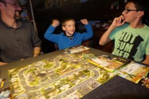 Et après un combat âpre et sans merci, la horde a été vaincue par ces trois héros déjà légendaires... Je m'emballe ! :-)
