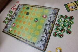 Au final, après moult péripéties finales (ah les courses poursuites des loups...), la partie s'achève sur ce dénouement sans appel (mais avec 3 jetons de valeur 5, je le rappelle, j'aurais dû perdre 3 moutons plus tôt dans le jeu)...