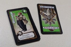 Jouer le recruteur me permet de récupérer l'ensemble de ma main de cartes. Utile.
