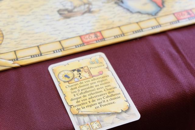 """Nous sommes dans le 3ème tour et j'ai choisi une carte """"méchante"""" : mes adversaires vont perdre 2 caballeros de la région de leur choix, ce qui, indirectement, renforce mes positions..."""