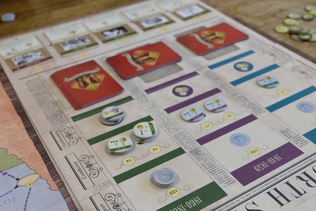 Nous achevons la période 2, avec toujours aussi peu de cartes rouges dans la file, ce qui témoigne d'une chance insolente lors de la pioche des cartes ! C'est même presque frustrant pour la difficulté du jeu...