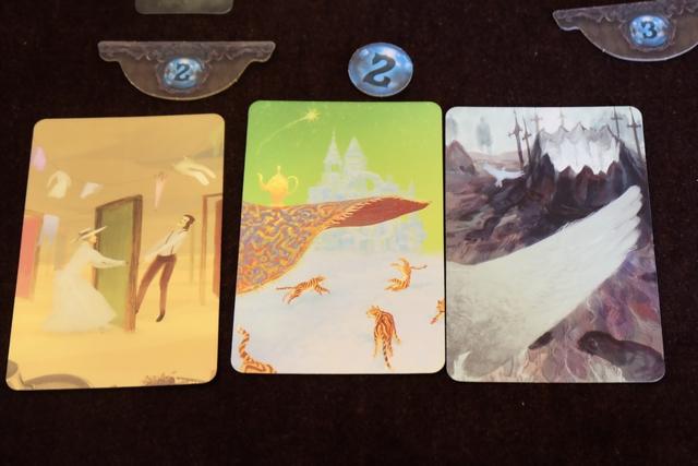 Avouez qu'avec ces trois cartes-là, il aurait été bien impensable de se tromper... On s'amusera d'ailleurs, post-partie, à créer un set de trois autres cartes, à partir de ma main de cartes à cet instant-là, et je peux vous dire que cela n'aurait pas été la même chose !!!