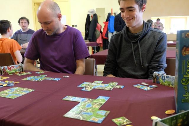 C'est un jeu vicieux où on rit sous cape... N'est-ce pas Axel ? ;-)