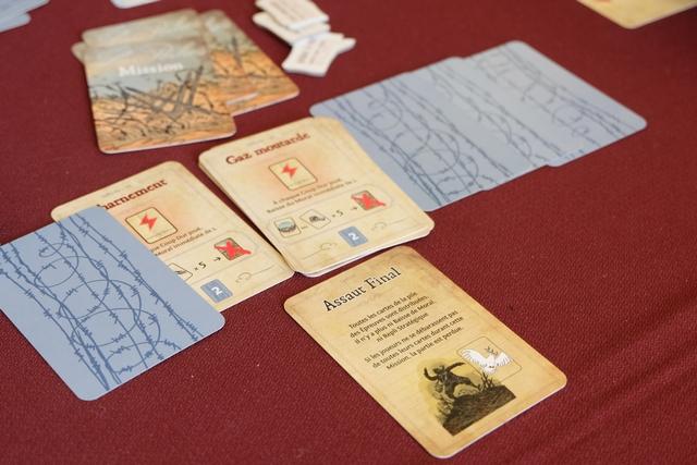 Alors que la carte Acharnement, similaire au Gaz Moutarde, est sortie lors de la mission précédente, Tristan opte pour le tout pour le tout en déclarant qu'on entre dans l'Assaut Final ! Préparez-vous à une bataille légendaire...