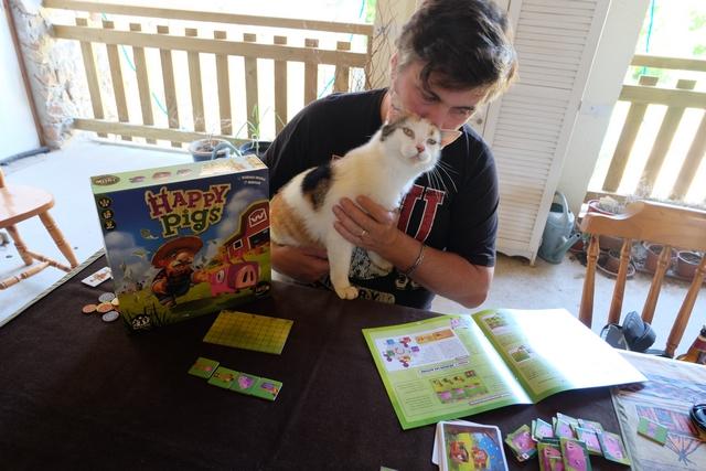 """On a plutôt un """"Happy Cat"""" qui vient me perturber pendant la lecture de la règle !"""