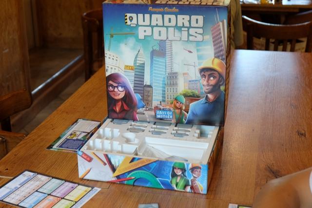 La boîte de Quadropolis est prête : on va pourvoir attaquer...