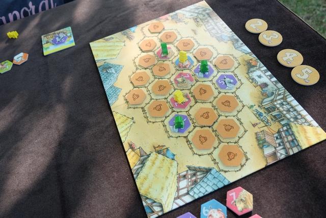 Lors de la deuxième manche, je ne change pas de stratégie et place mes trois fermiers avant Tristan pour choisir à nouveau en premier !