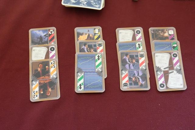 Voici la première série de lots de 3 cartes. Toujours difficile de faire son choix...