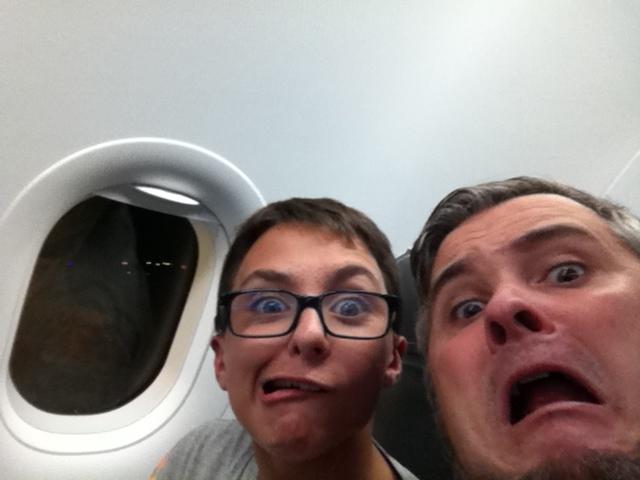 Ahhhhhhhhhh... Un peu peur au décollage... On jouera dans quelques minutes !  ;-)