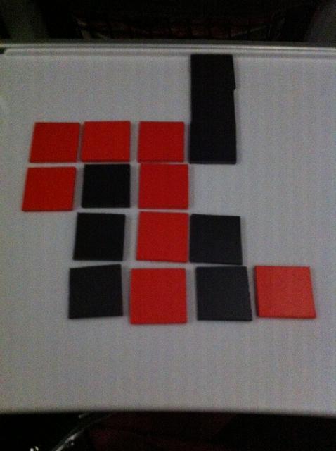 Et voilà, j'ai connecté 7 de mes carrés, après avoir laissé croire à Tristan qu'il allait y parvenir avant moi ! Comme quoi, on peut préparer quelques coups à l'avance...