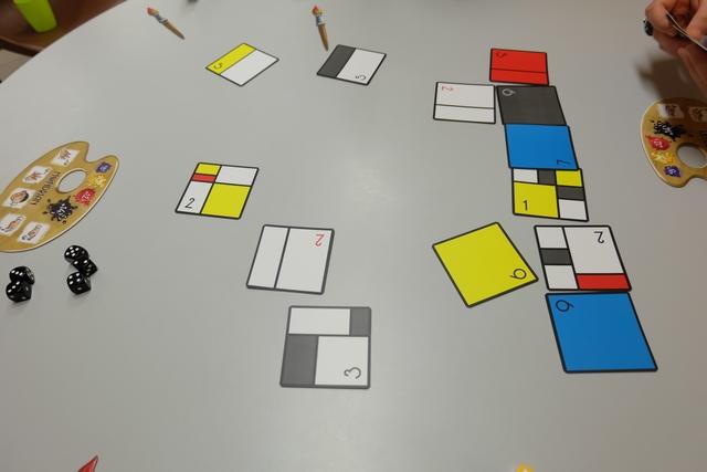 Voici le résidu pictural de notre partie : 13 cartes au centre !