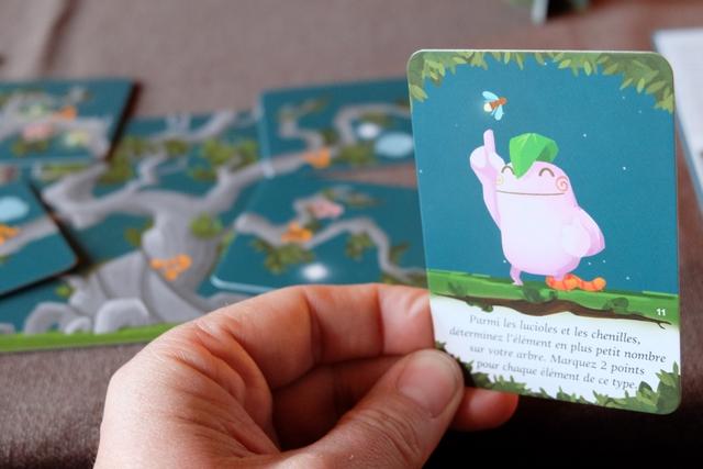 Voici enfin ma dernière carte de kodama que je joue, en fin d'automne, avec un gain de 20 PV car j'ai 10 chenilles sur mes cartes pour 12 lucioles (je crois). Ca rapporte...