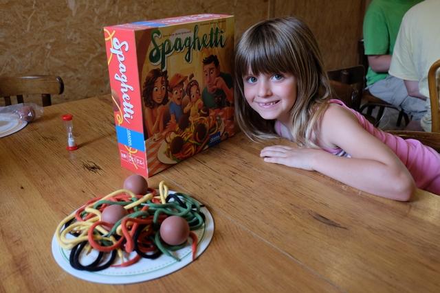 Spaghetti ! Le jeu que Leila rêvait de pratiquer avec son paternel à Ludophiles en gîte 2017 !