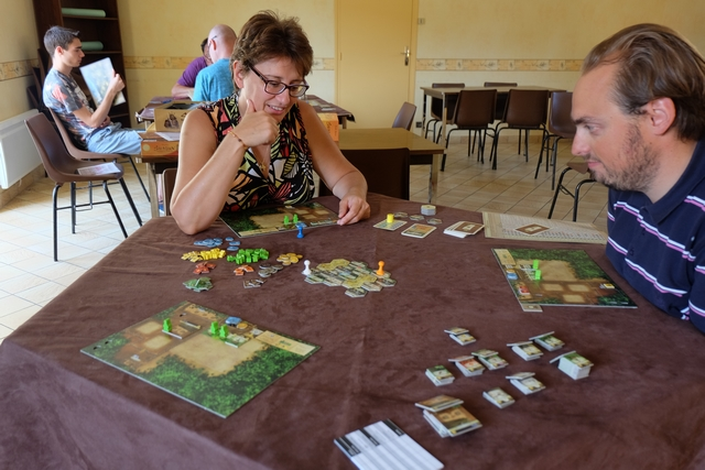Nous jouons donc à 3 joueurs, Béatrice, Quentin et moi. Belle partie en perspective...