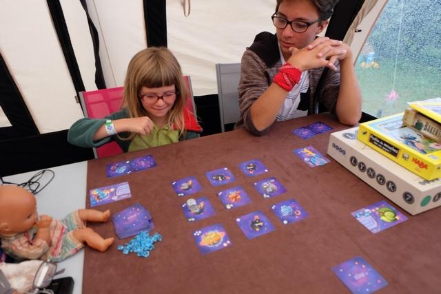 Belle petite partie d'un jeu qui amène les plus jeunes à découvrir des principes de jeu de gestion.