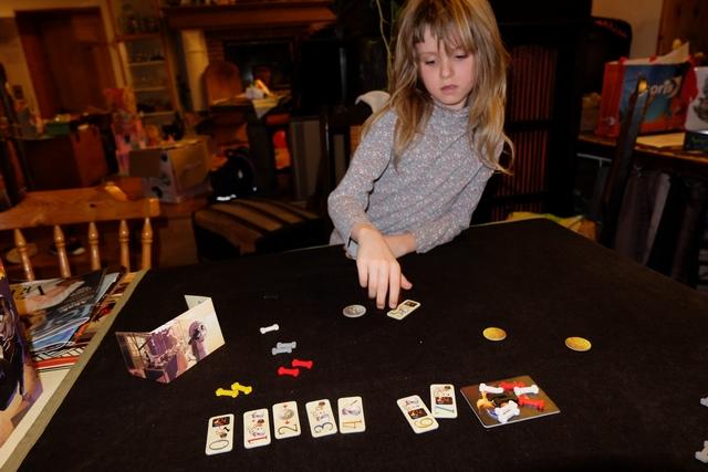 Avec la tuile 5 qu'elle choisit, elle compte peut-être gagner, hein, la bougresse...