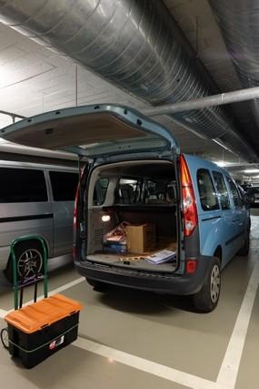 Il est temps de vider à la voiture dans le parking du Messe...