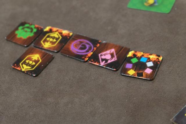 Sur la droite, vous pouvez voir que j'ai pris une des deux tuiles joker du jeu.