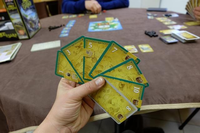 Mon hallucinante main de cartes pour attaquer la seconde manche...