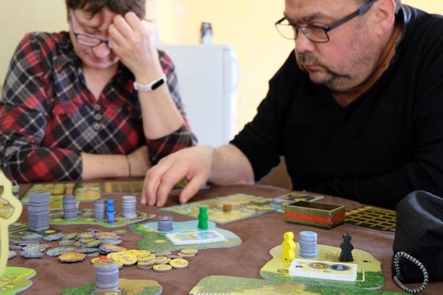 Le jeu est riche et donne à penser, sans pour autant être une usine à gaz bien prise de tête. On ne se pose aucune question de règles et c'est juste du plaisir...