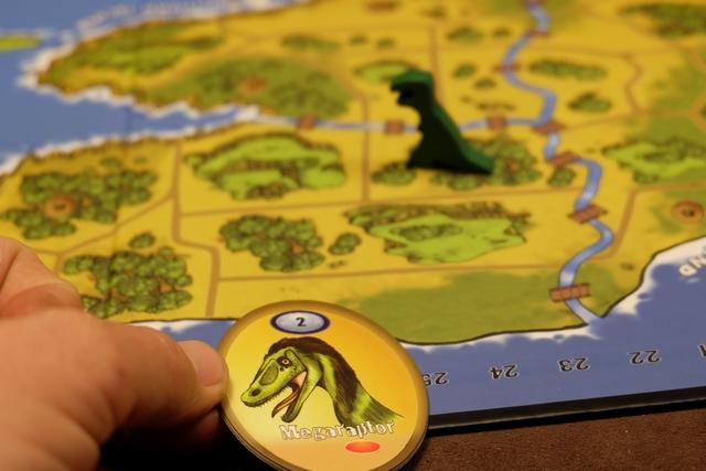 Je ressuscite le premier dinosaure de cette partie, à savoir un Megaraptor pour le seul coût d'une pierre rouge. Ca me semblait plus que rentable !
