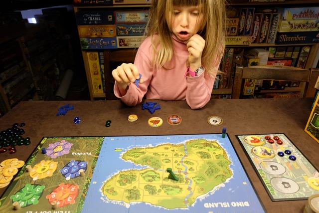 Leila se prend clairement au jeu et c'est franchement agréable de la voir jouer à un vrai jeu de grands.