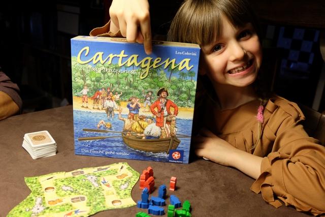 Leila va découvrir un grand classique du jeu de course, à la sauce Colovini, dans une version v2 à mon avis supérieure à l'original grâce au bateau. Une bonne petite partie en perspective...